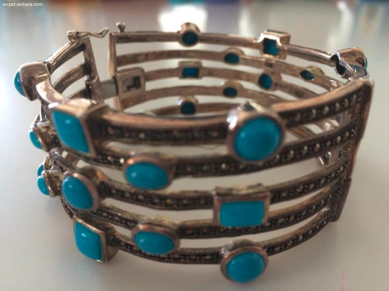 Beautiful silver bracelet with turquoise stones