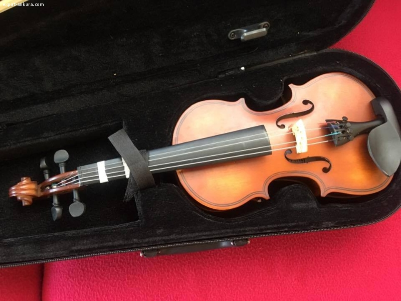 Kids violin in great condition for sale