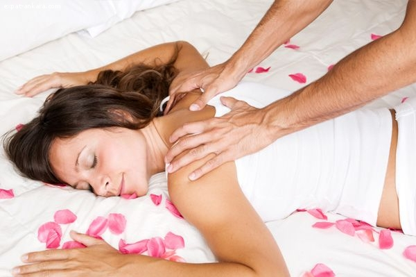 Relaxing Body Massage therapy Masseur