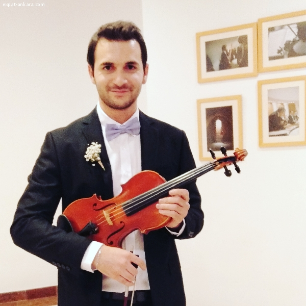 Violin Lessons in English from a Professional Violinist