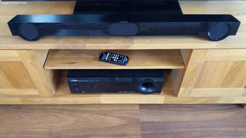 Yamaha Soundbar and AV-Receiver/Subwoofer Set